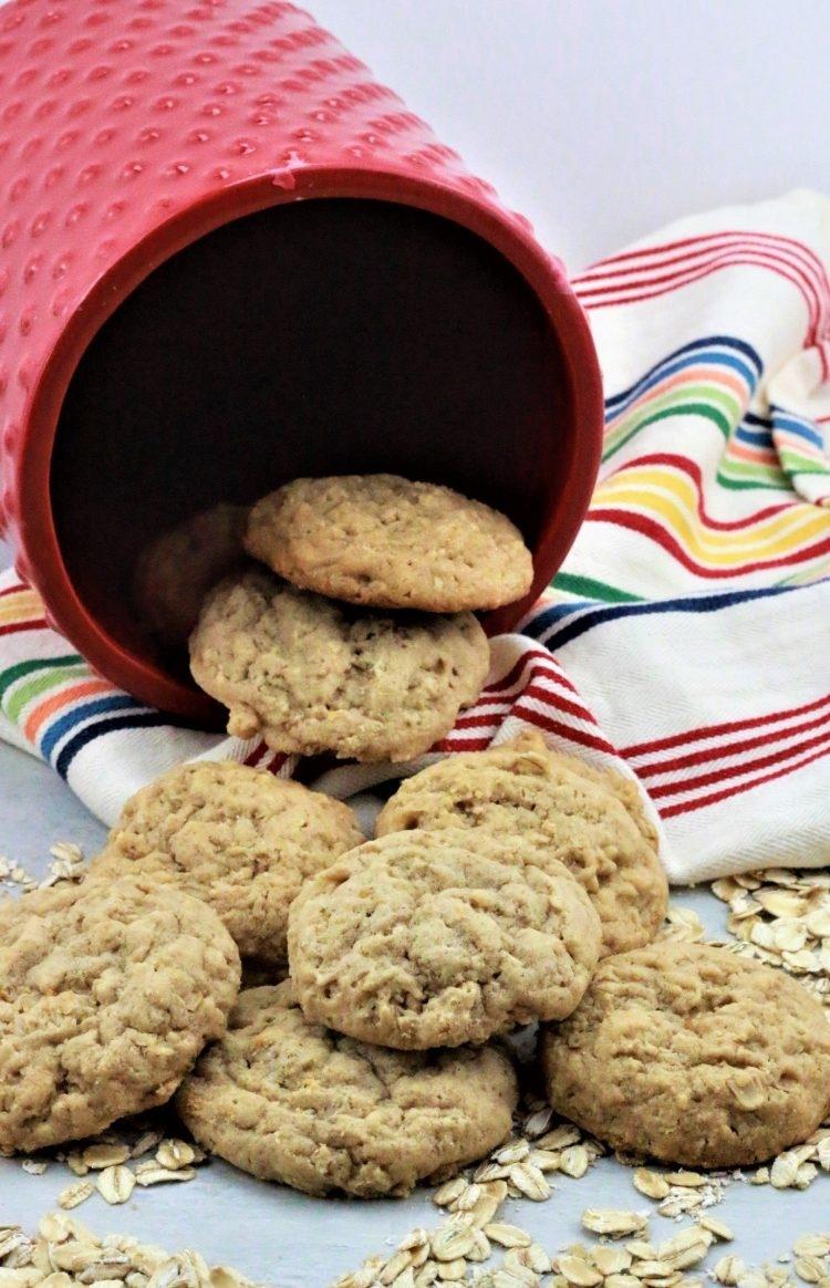 peanut butter oatmeal cookies e1553989340402
