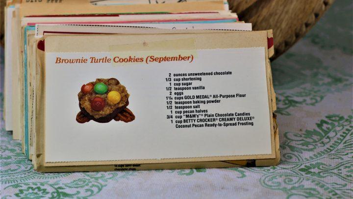 Brownie Turtle Cookies e1543205943305