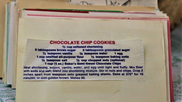Chocolate Chip Cookies 1 e1543458460935