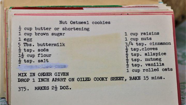Nut Oatmeal Cookies e1543458293352