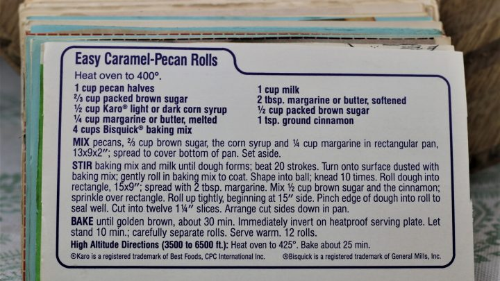 Easy Caramel Pecan Rolls e1544302898586