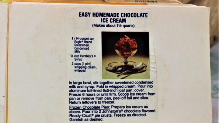 Easy Homemade Chocolate Ice Cream e1543972445435